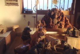 薪ストーブと猫のいるアトリエ  はしもとみお個展