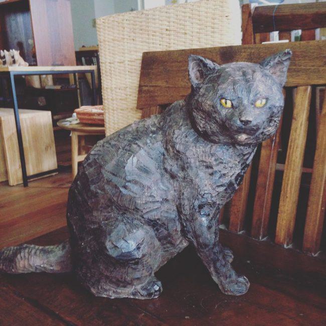 はしもとみお作品展  「机の上の犬と猫」