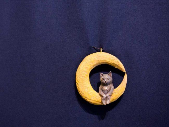 「ゆらゆら猫」を創る木彫りのワークショップ